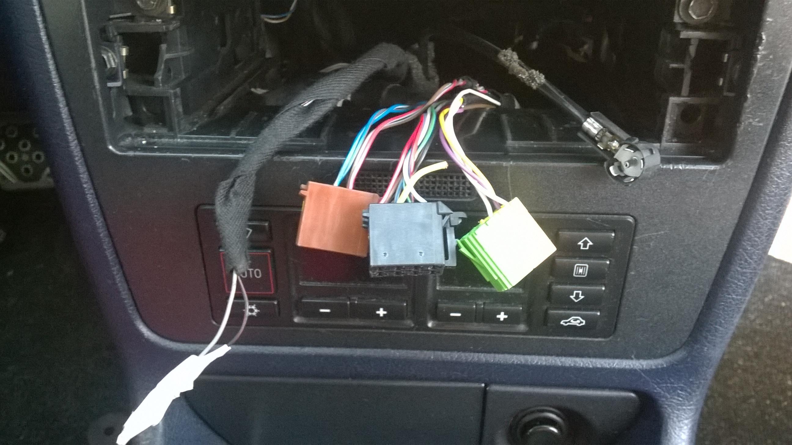 [Inne] Audi A4 B5 niedzia�aj�ce radio