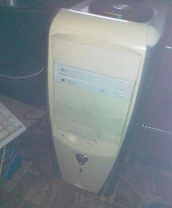 [Sprzedam] Dwa starsze komputery stacjonarne