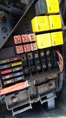Rover 45 - Bezpiecznik radia