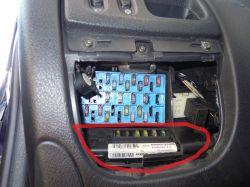 Renault Megane 1999 1.4 16V - Wyjęcie modułu komfortu