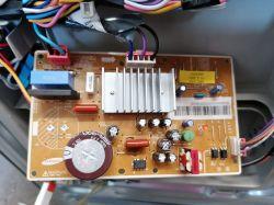 Samsung RH57H90707F - Mruga panel, próbuje wystartować i gaśnie Brak błędu