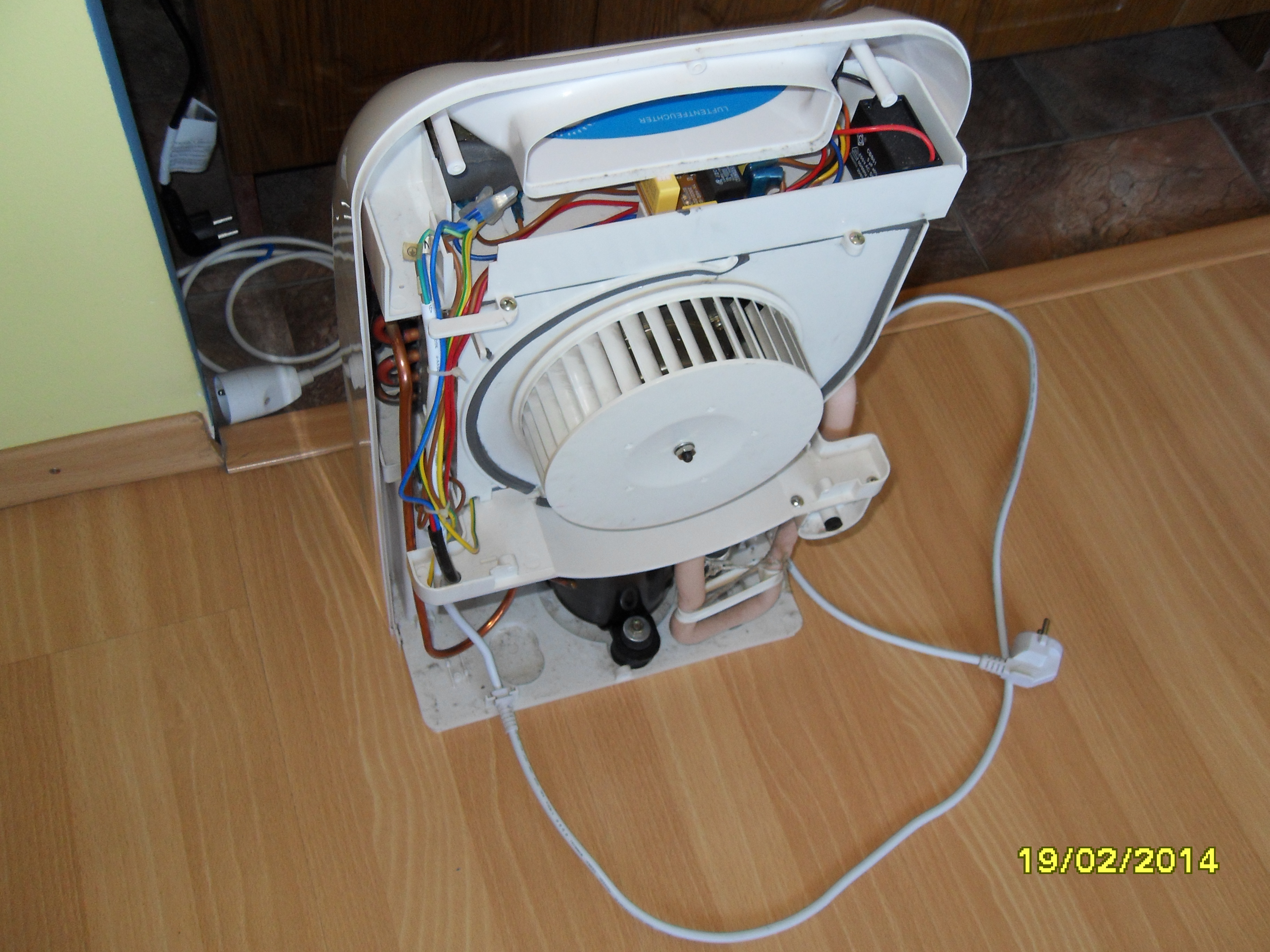 Osuszacz powietrza - agregat buczy ale nie uruchamia si�