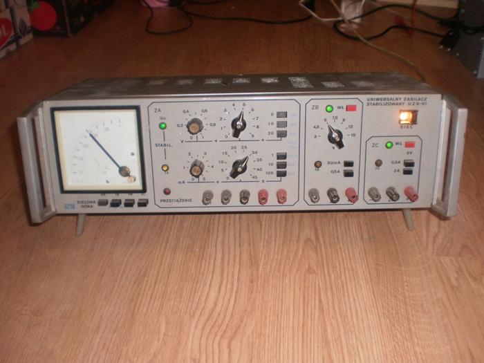 [Sprzedam] Zasilacz labolatoryjny UZS-01 0-30V, 0-5A  z miernikiem U/J zobacz!