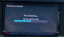 Kenwood DDX8022BT zawiecha podczas wgrania softu Bluetooth