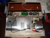 Zmodyfikowany C64G (LCD, SD2IEC, wbudowany głośnik)