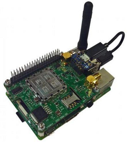 Pilot - nakładka 3G/HSPA, GPS i GNSS dla Raspberry Pi