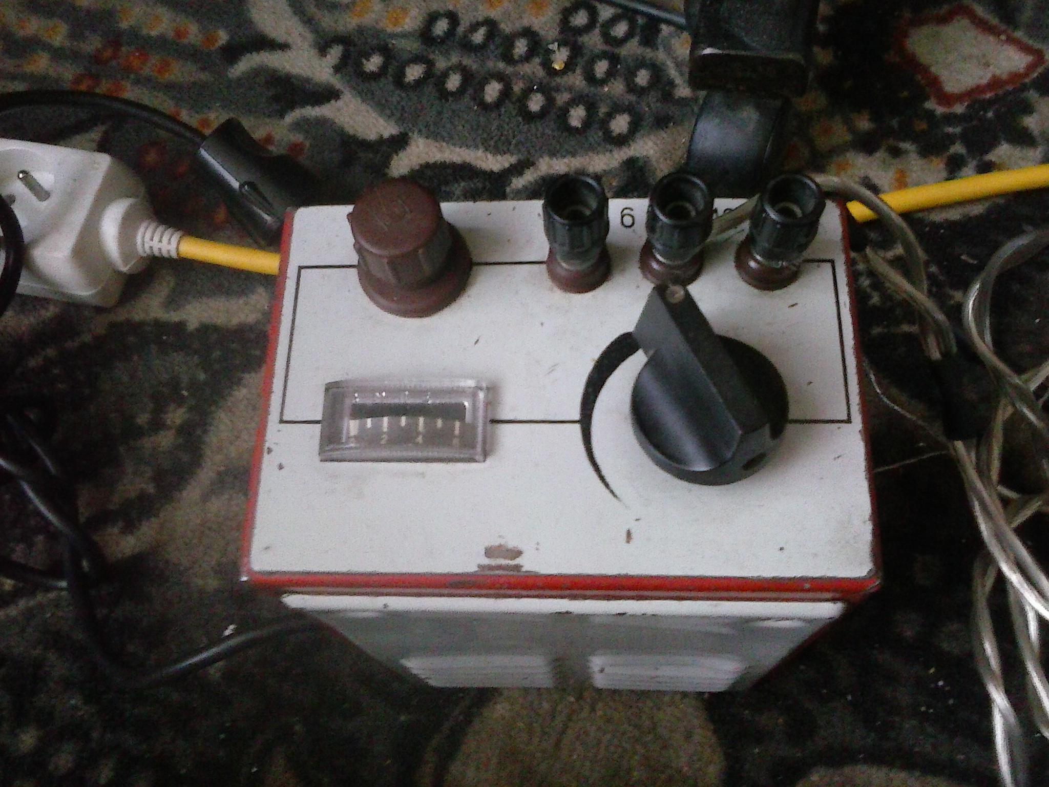 Akumulator samochodowy w domu, prawid�owa eksploatacja i do�adowywanie.