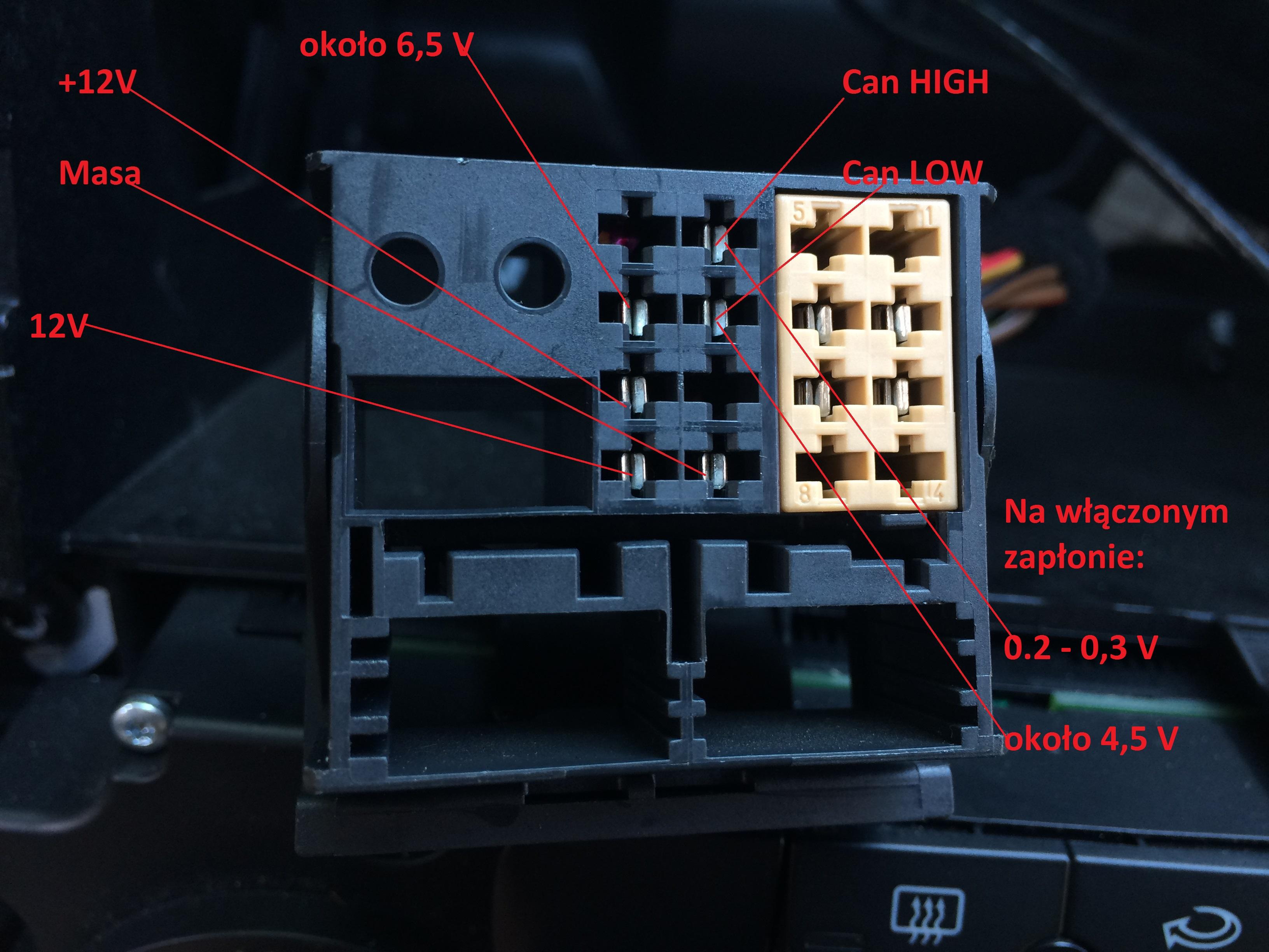 Rozwi  zano  GOLF V 2003    radio    RCD 300     radio    samo si   wy    cza na zap  onie lub podczas jazd