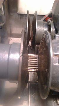 Silnik trójfazowy i regulacja naciągu paska