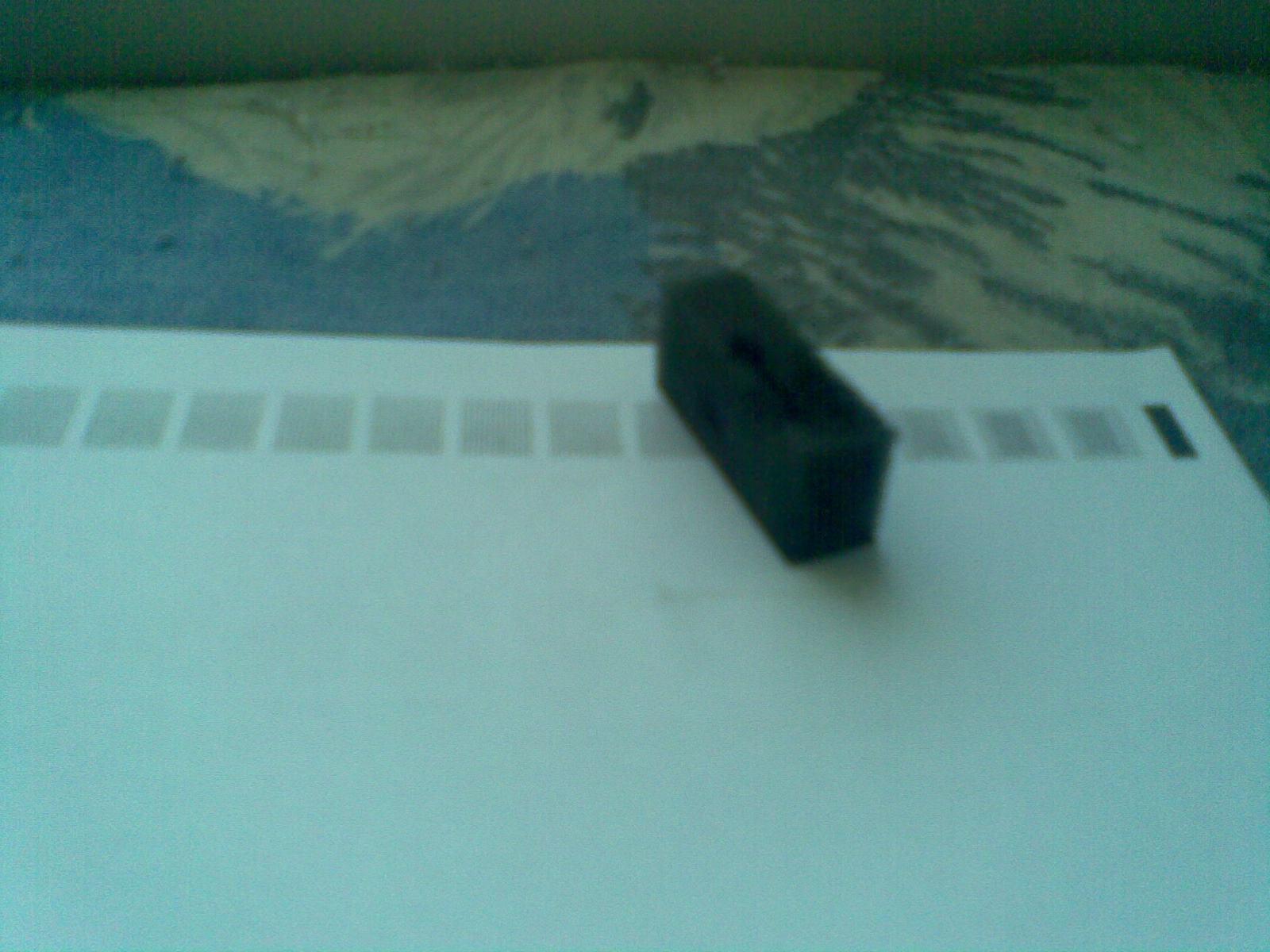 HP Deskjet 1000 - Czy moja drukarka mo�e pracowa� tylko z jednym czarnym tuszem.