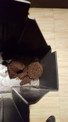 Saeco Magic Comfort SUP012D - Ekspres robi słabą kawę