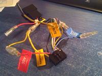 Podłączenie radia Pioneer - czy taki schemat może rozładować akumulator (fot.)?