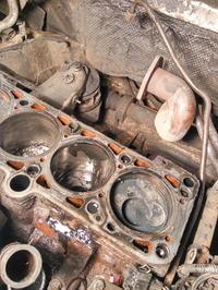 Golf MK3 - Metaliczny dźwięk/stukanie na zimnym silniku?