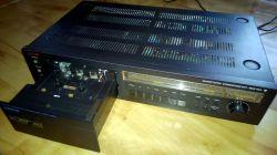 Magnetofon kasetowy z windą kasety.