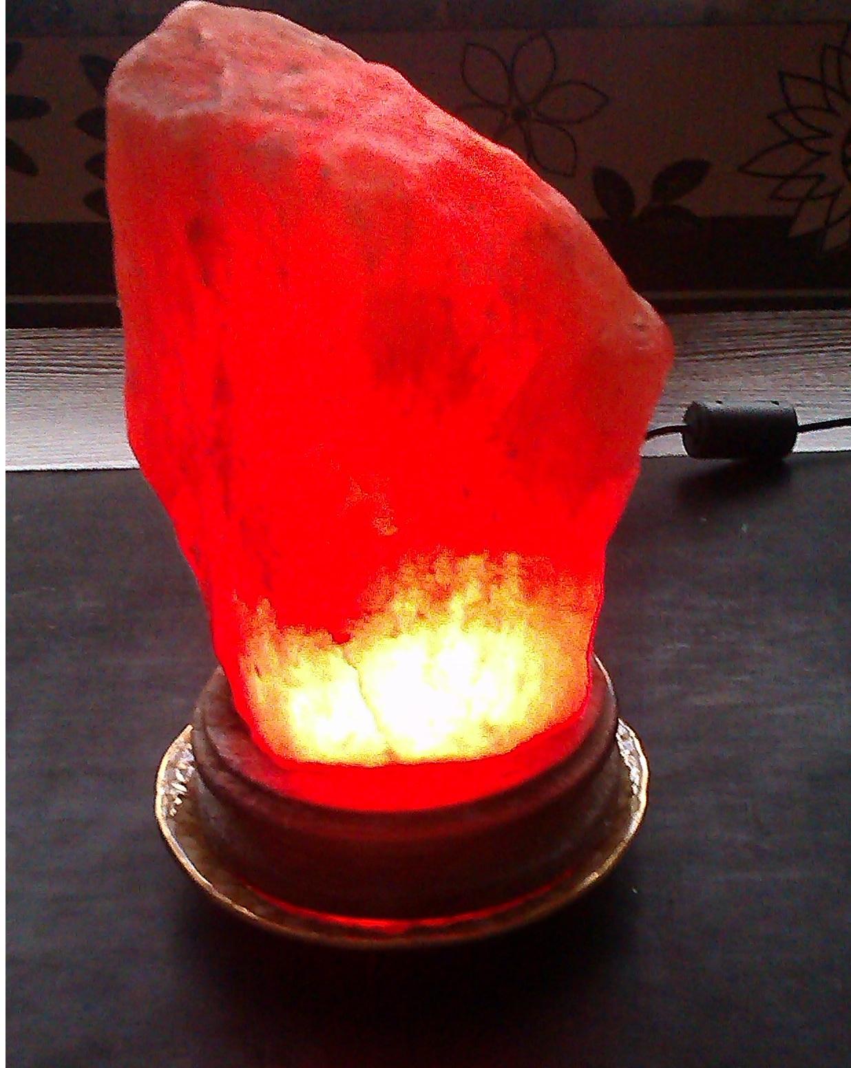 Lampa solna RGB sterowana przez Bluetooth