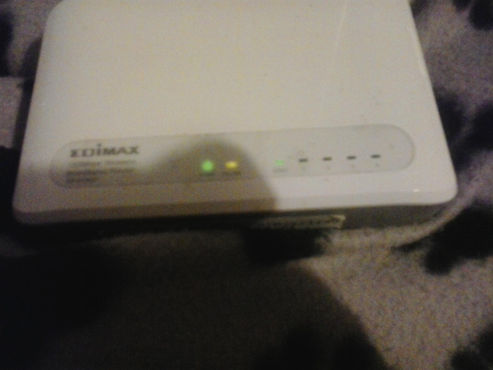 Router Edimax BR-6228nC po��czony do modemu UPC Thomson Twg870