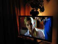 Pod�wietlenie TV + zamocowanie g�o�nika centralnego do TV-LED