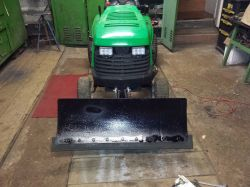 Pług śnieżny do traktorka kosiarki