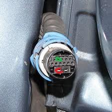 Opel Zafira [A] - Konektory wi�zek elektrycznych tylnych drzwi