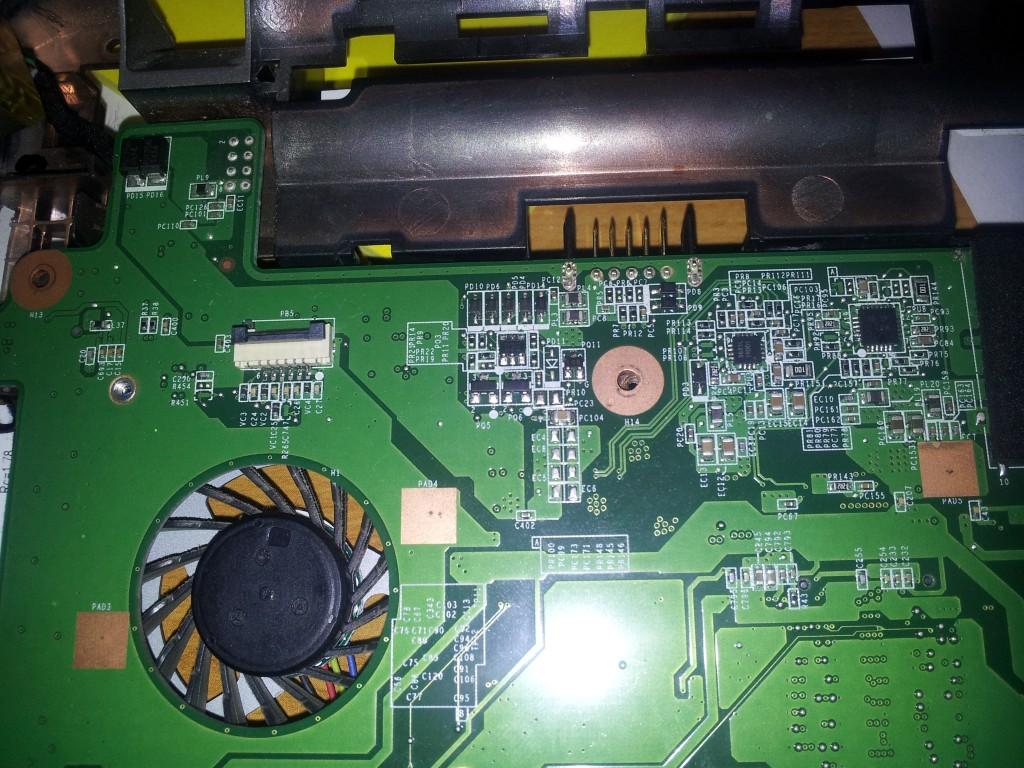 Hp Pavilion DM1 - Nie startuje na zasilaczu, nie �aduje baterii, gniazdo ok.