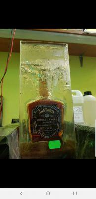 Zalewanie butelki żywicą epoksydową - zagotowana
