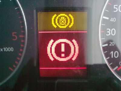 Audi A6 C5 - Czerwony wykrzyknik w nawiasie na FIS, potrzebuj� schematu