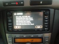 Fabryczna nawigacja w Toyocie Avensis z 2008