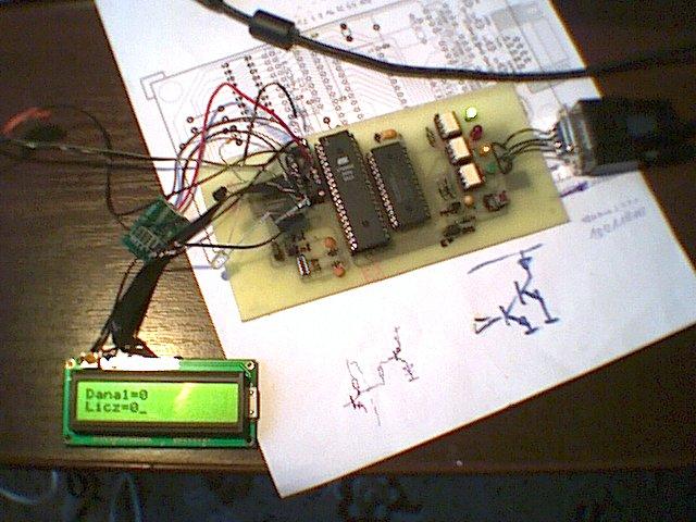 Emulator 89c2051 i 89c4051 + soft bascom jako pilot do Manty