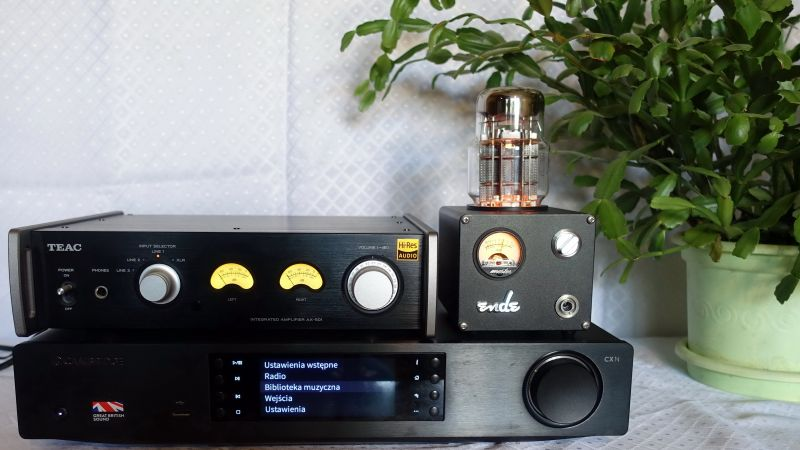 Nastrojowa lampka nocna dla Audiofila .