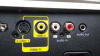 Jak podłączyć dekoder DVB-T z projektorem?