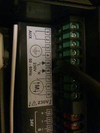 Somfy/AXROLL/F880D10C - Sprawdzenie , Podłączenie