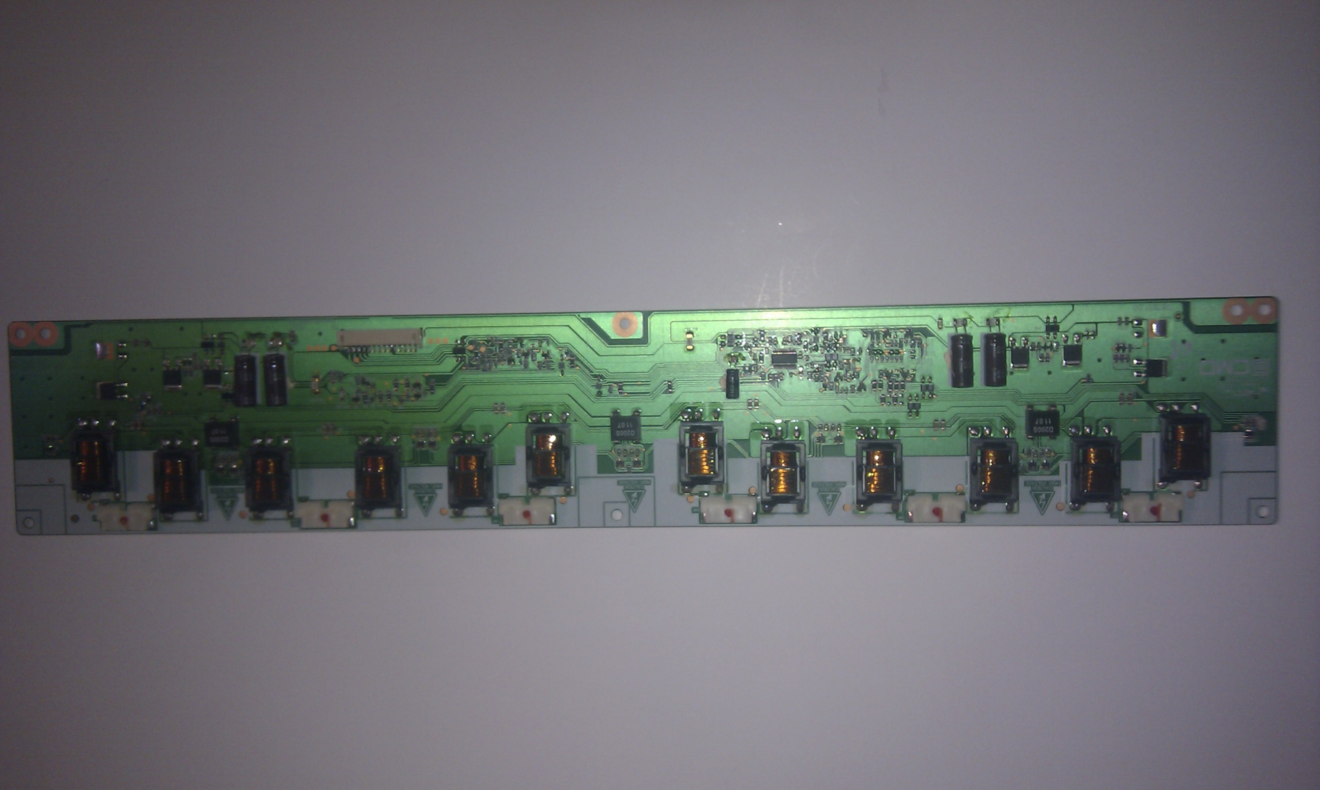 [Sprzedam] Wszystkie p�yty i pilota z LCD z zbita matryca Toshiba 40LV833G