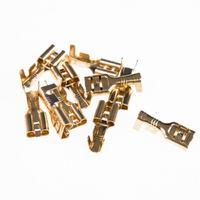 Indesit DI 450A - pompa odplywowa / roznica w pinach/stykach zasilajacych