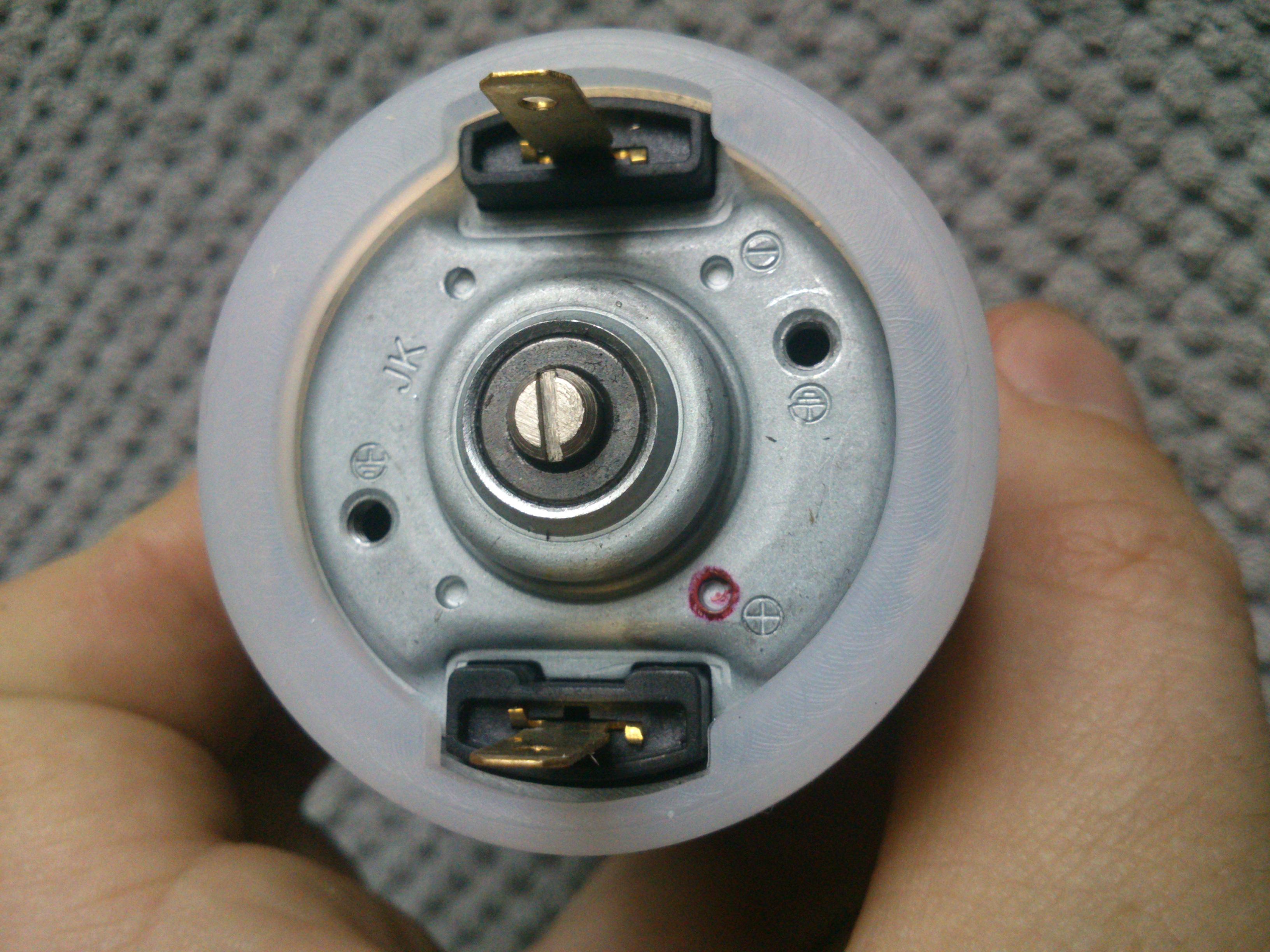 Blender Domedia HB968SA - nie dzia�a, spali� bezpiecznik i wybuch� triak...