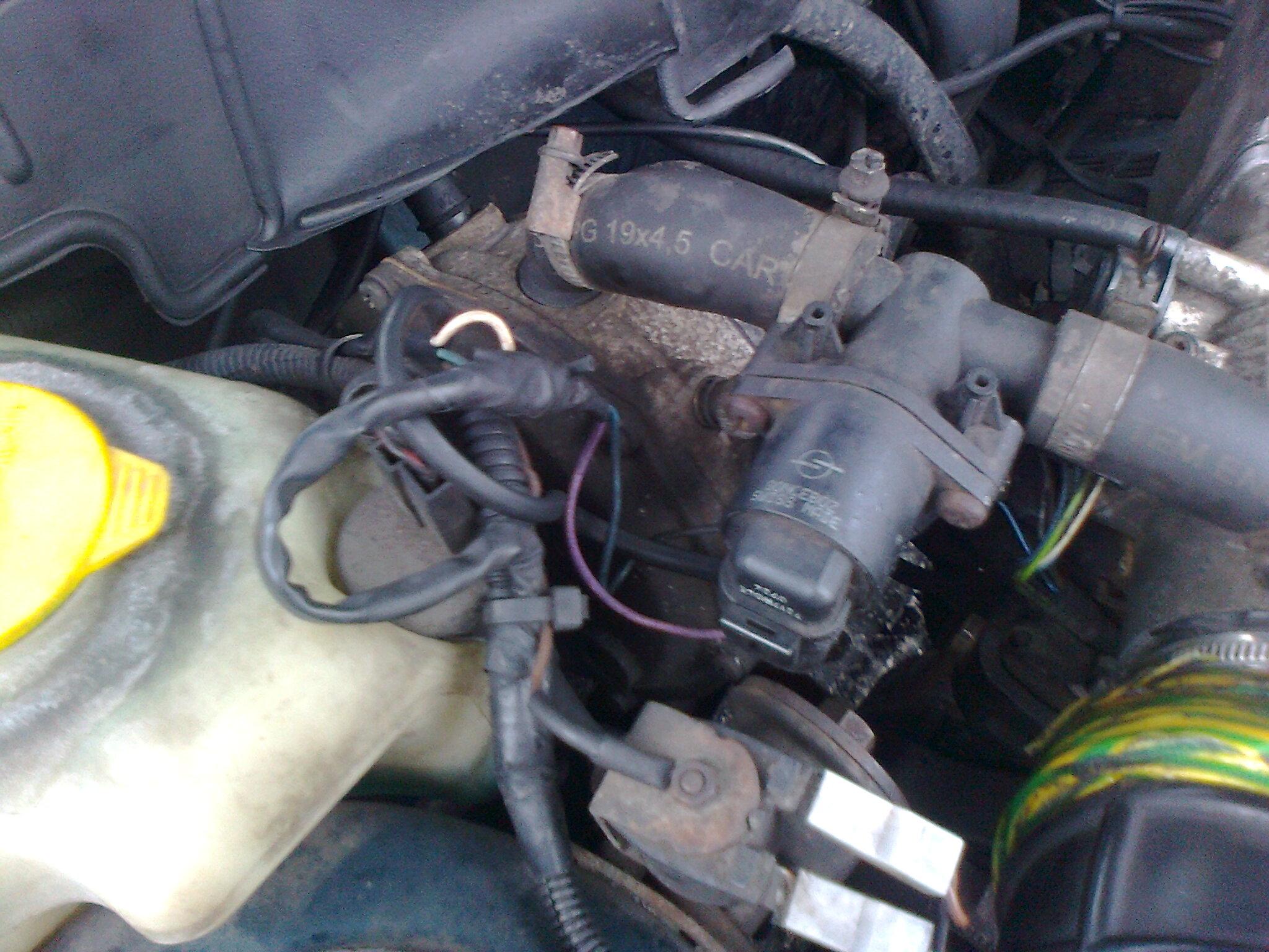 ASTRA F - Przelacza na LPG nawet na zimnym..