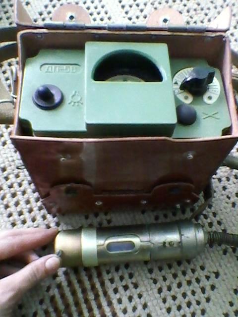Licznik Geigera, detektor promieniowania beta i gamma.