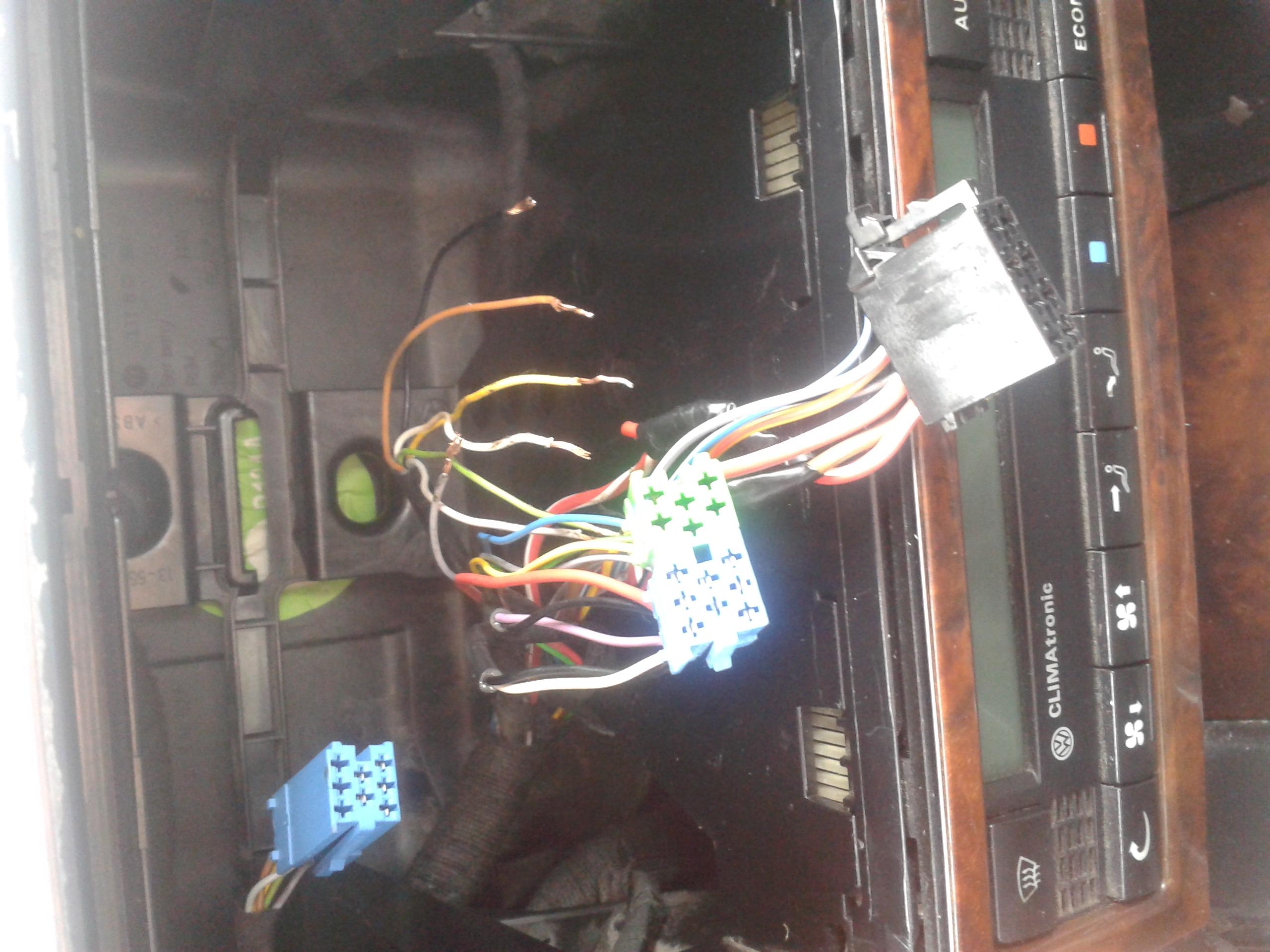 Pod��czenie g�o�nik�w do radia-brak kostki. VW Bora