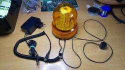 Sygnalizator dzwonka furtki oraz dzwonienia telefonu do głośnego warsztatu.
