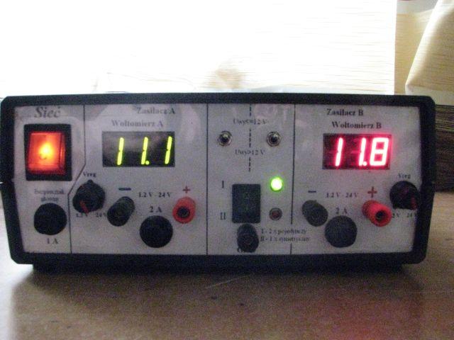 Digital Voltmeter Using Icl7107