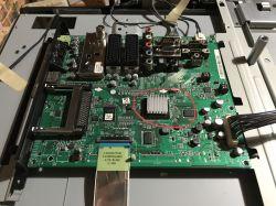 LG37LH3000-ZA - Brak obrazu/ obraz w czerwone paski / plamy.
