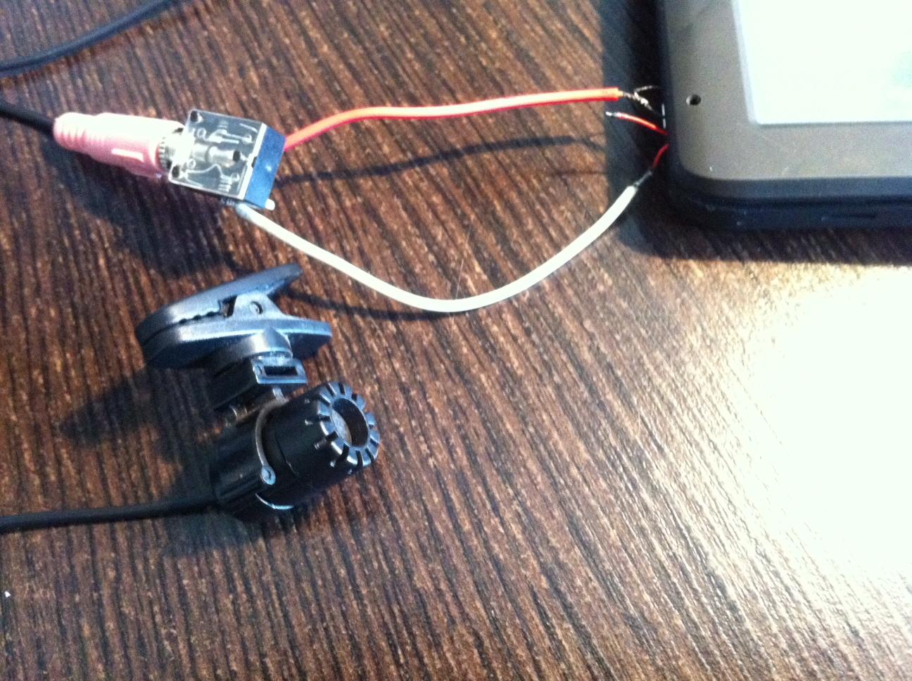 Modecom FreeWay MX3 - Zak��cenia ��cza bluetooth podczas pracy silnika?