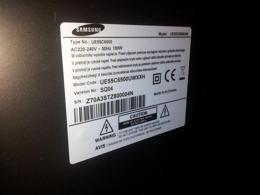 Samsung UE55C6500UWXXH - Ekran miga na czerwono