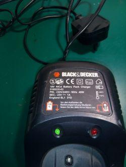 Ładowarka Black & Decker (5100235-03 18V BATTERY CHARGER) - rezystor?