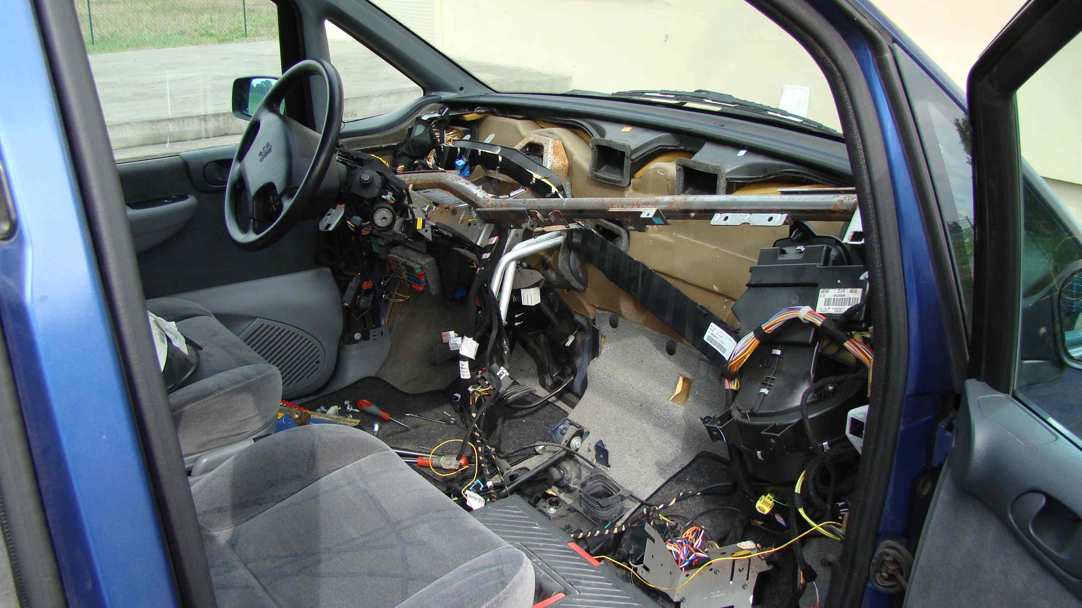 Peugeot 806 2.1TD  -  lokalizacja czujnika temperatury ch�odziwa klimatyzacji