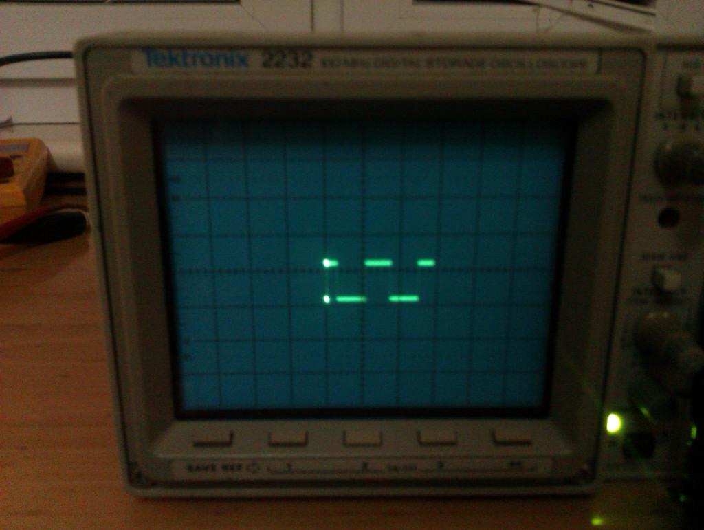 Tektronix 2232 - zw�ony obraz