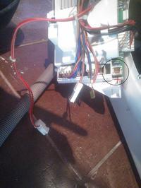 Ariston Aqualtis AQSF 129EU - podłączenie programatora