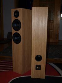Kolumny 2.5D na głośnikach STX