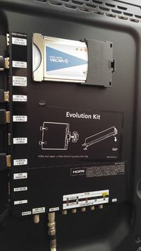Telewizor SAMSUNG UE40ES7000S - Podłączenie głośników zewnętrznych.