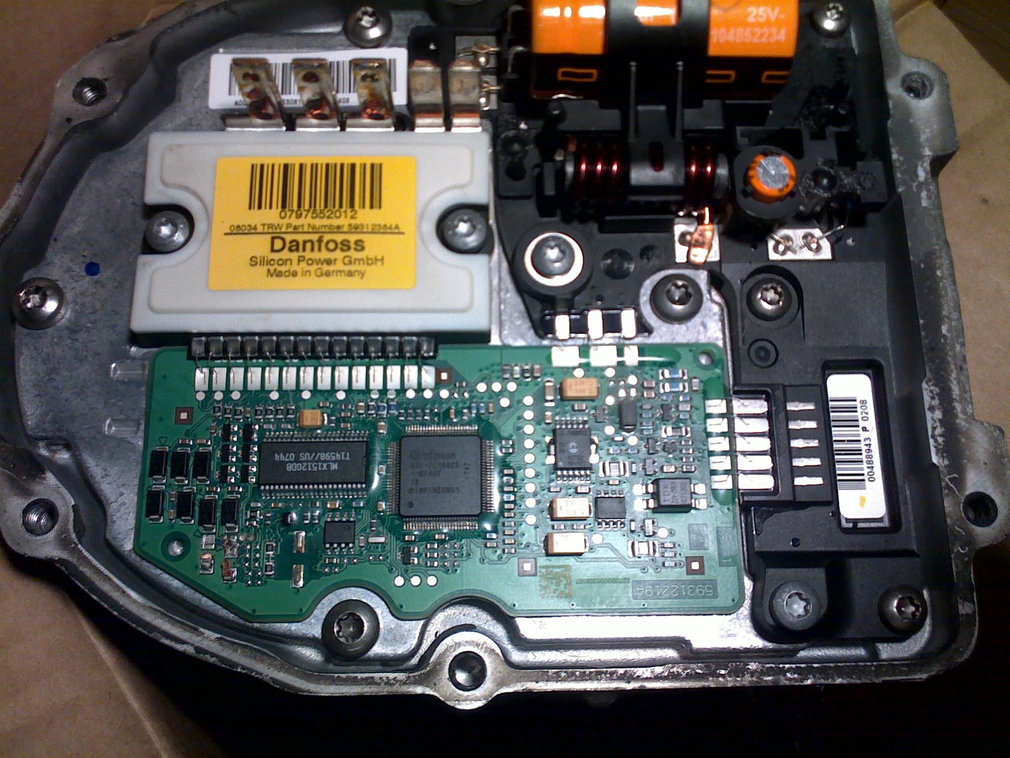 Sterownik pompy wspomagania Peugeot 307 (Danfoss) - brak kilku element�w