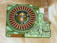 Prądnica z silnika krokowego - zasilanie bezstykowe zegara widmowego